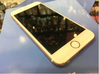 Продам iPhone 6s 64GB Rose Gold